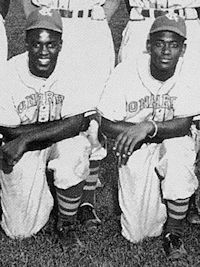 renfroe with jackie roobinson kansas city monrachs1945